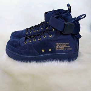 Nike SF Air Force 1 Mid Womens Sneakers